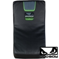Макивара BAD BOY Pro Series 3.0 Curved Kick Pad